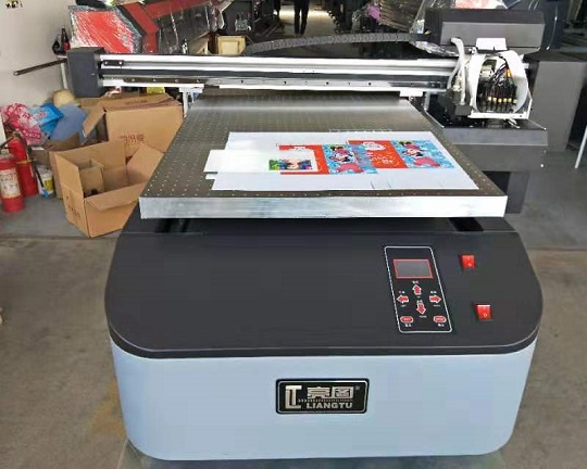 The digital UVFlatbed Printer UV-6090